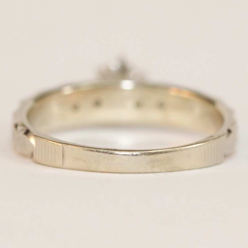 14K White Gold Etched Band Round Brilliant Diamond Ring Size 5