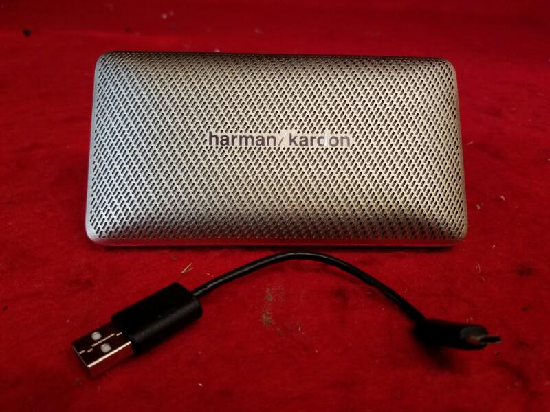 Harman Kardon ESQUIRE MINI portable wireless Bluetooth speaker - Gold