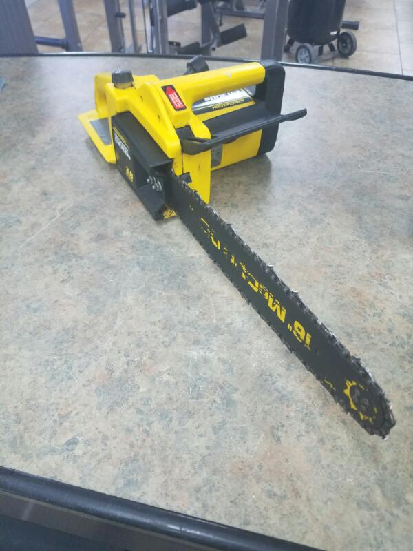 MCCULLOCH Chainsaw EM300S