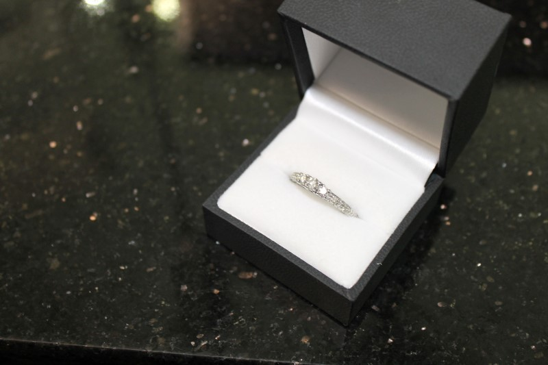 Brilliant Round Cut Diamond White Gold Engagement Ring