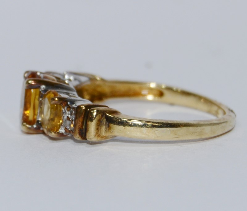 10K Yellow Gold Oval Three Stone Citrine & Diamond Ring Size 6.5