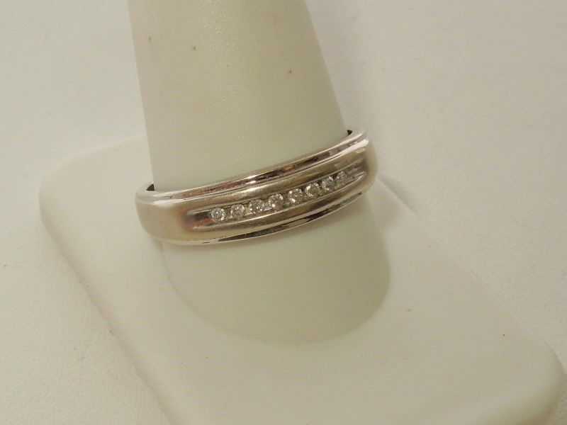 Gent's Gold-Diamond Wedding Band 8 Diamonds .08 Carat T.W. 10K White Gold 2.5g