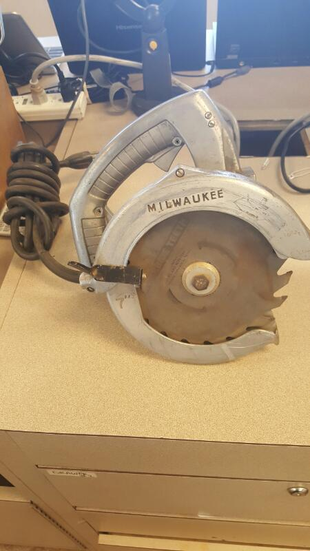 MILWAUKEE Circular Saw 6331
