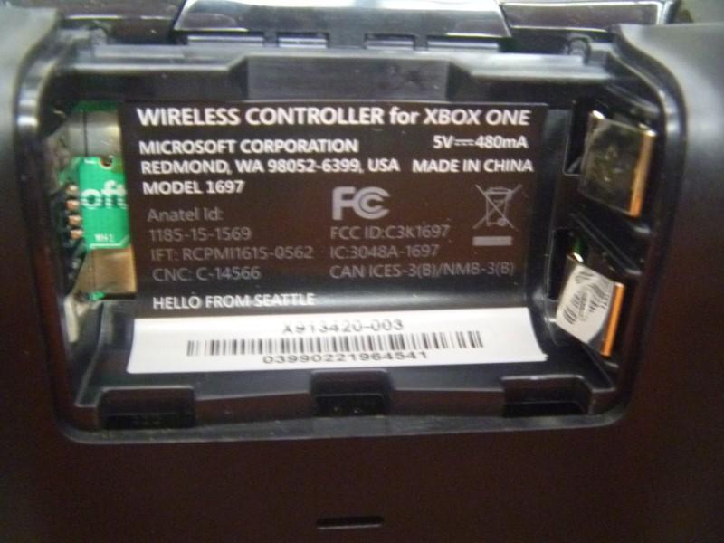 MICROSOFT 1697 WIRELESS XBOX ONE CONTROLLER (BLACK)