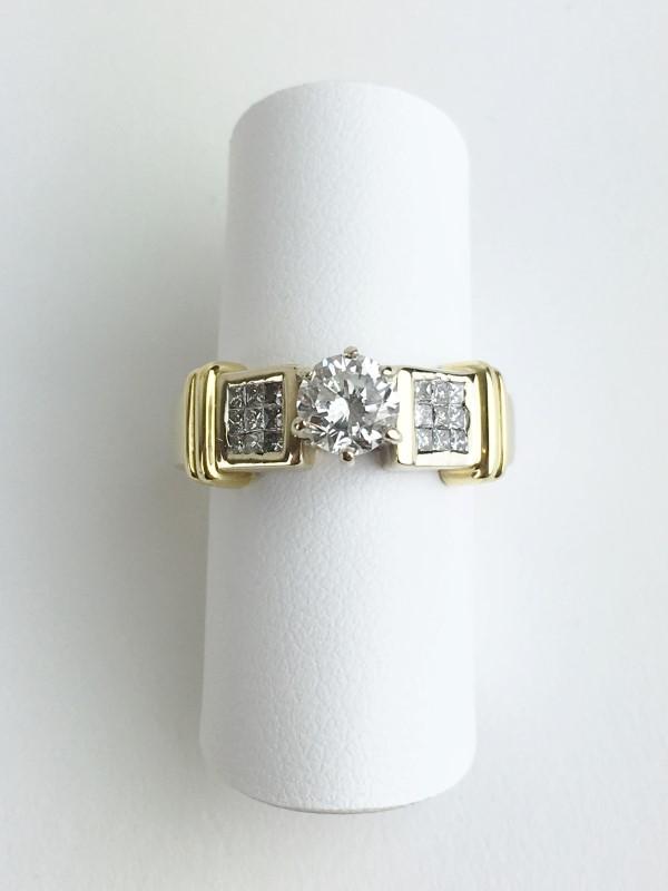 0.50cts Round Brilliant w 18 Diamonds .68 Carat T.W. 18K 2 Tone Gold 6.3g