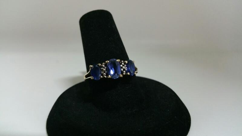 BLUE STONE(S) Blue Stone Lady's Stone Ring 10K Yellow Gold 1.4dwt