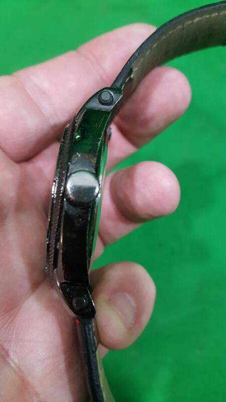 GEOFFREY BEENE Gent's Wristwatch GB8039GUBK