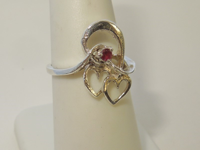 Synthetic Almandite Garnet Lady's Silver & Stone Ring 925 Silver 2.6g Size:5