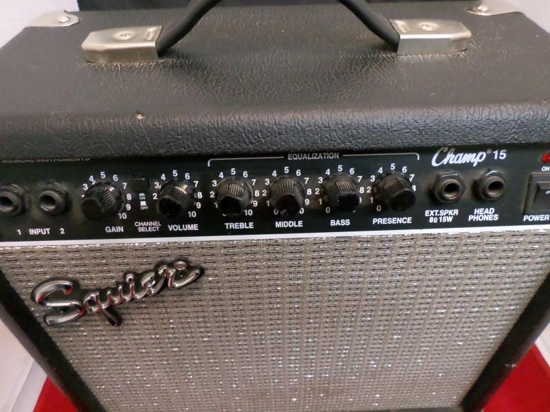 FENDER Electric Guitar Amp SQUIER CHAMP 15