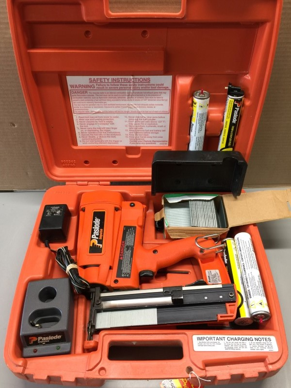 PASLODE IM250 II #900400 CORDLESS 16 GUAGE FINISH NAILER KIT