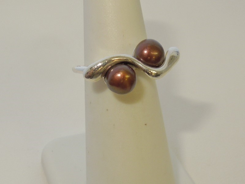 Pearl Lady's Silver & Stone Ring 925 Silver 4.8g