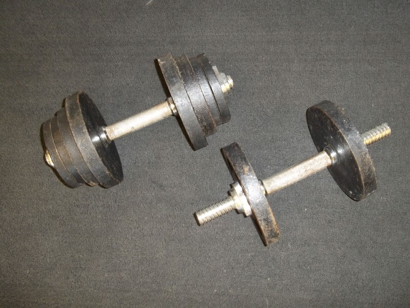 EXERCISE EQUIPMENT CAST IRON HAND WEIGHTS, BFCO