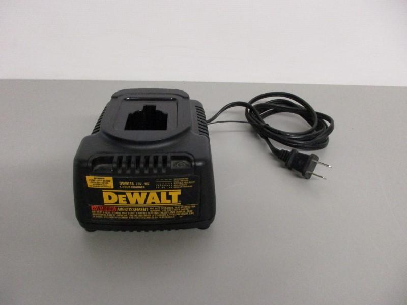 DEWALT DW9116 7.2V - 18V 1 HOUR CHARGER