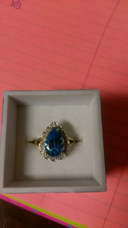 Lady's BLUE Stone Ring 10K Yellow Gold 3.3g SIZE 7