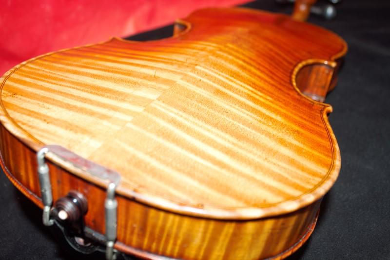 Old Violin Labeled Giuseppe Cavaleri, Genova 1732