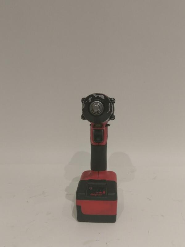 """Snap-on CT8810 18 V LiOn 3/8"""" Drive Cordless Impact Wrench Bundle>"""