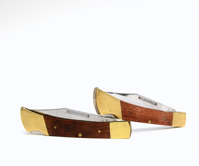 "PAIR OF TWO STAINLESS STEEL 3-1/2"" CLOSED POCKET KNIVES 2.5"" BLADE>"