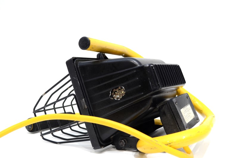 500-WATT HALOGEN PORTABLE WORK LIGHT 4Z21 TESTED AND WORKING>