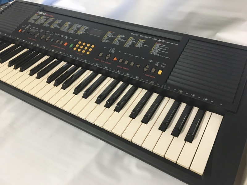 YAMAHA Keyboards/MIDI Equipment PSR-82
