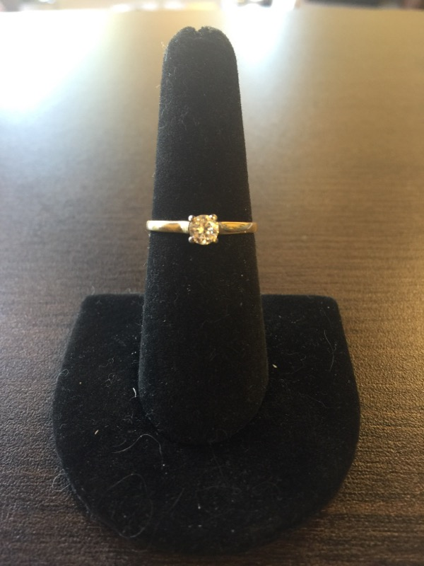 Lady's Diamond Solitaire Ring .30 CT. 18K Yellow Gold 2g Size:6.5