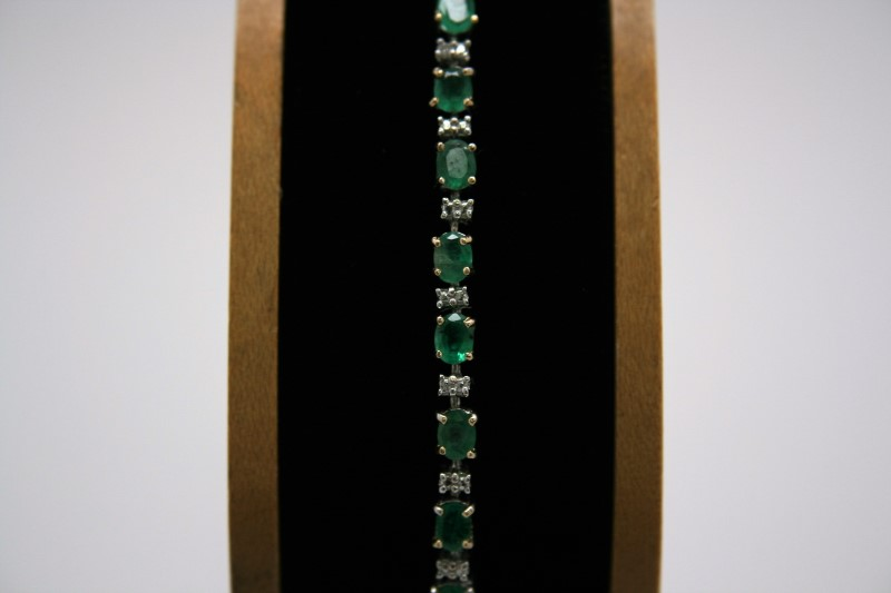FASHION STYLE DIAMOND & EMERALD BRACELET 10K YELLOW GOLD