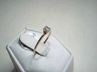 Lady's Diamond Solitaire Ring .20 CT. 14K Yellow Gold 1.1g Size:6.5