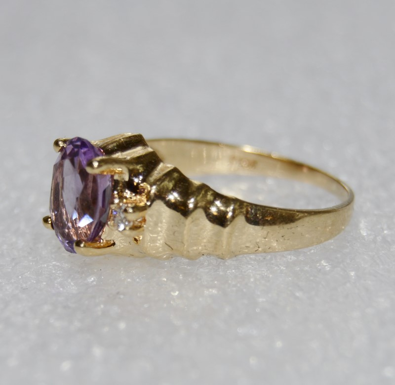 14K Yellow Gold Oval Amethyst & Diamond Ridged Band Cocktail Ring sz 6.5