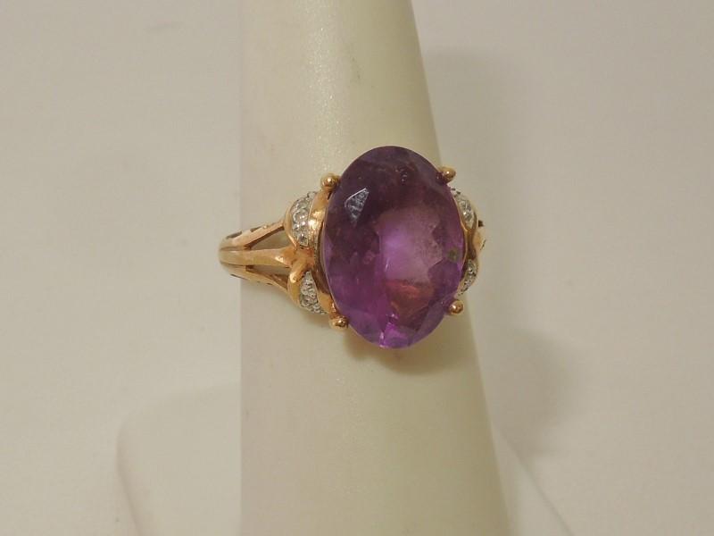 Synthetic Amethyst Lady's Stone & Diamond Ring 8 Diamonds .08 Carat T.W.