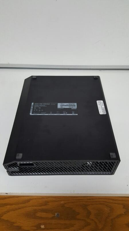 Microsoft Xbox One 500 GB Black Console Model 1540 (2015)