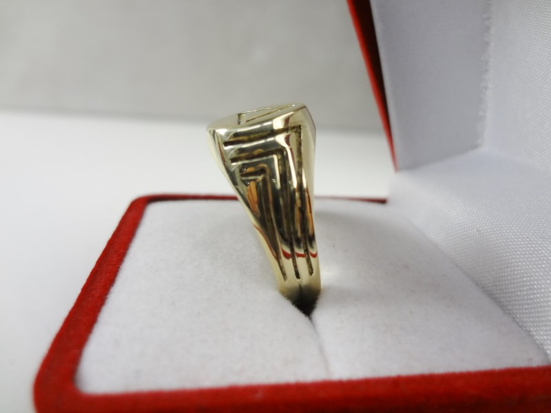 MENS GOLD RING W/TRIANGLE 14KYG 6.3G SZ.9