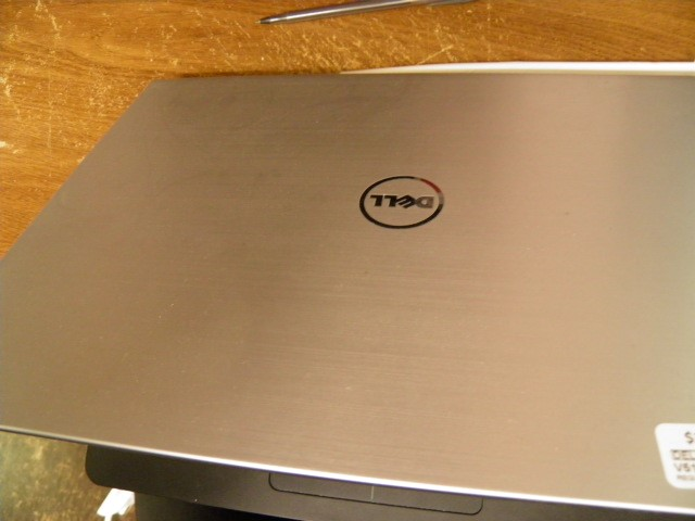 DELL Laptop/Netbook P49G