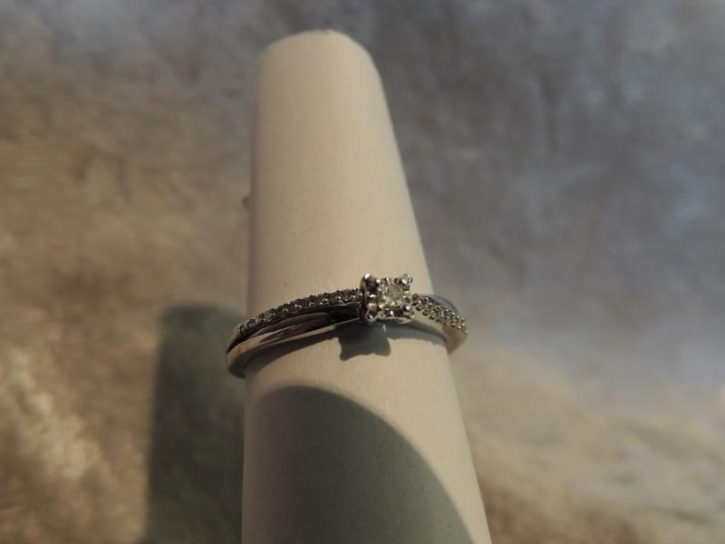 Lady's Diamond Fashion Ring 15 Diamonds .140 Carat T.W. 10K Yellow Gold 1.7g