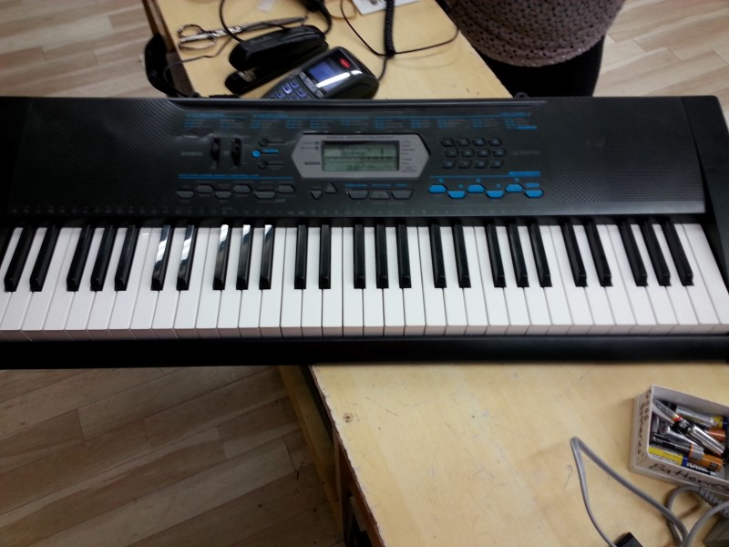CASIO Keyboards/MIDI Equipment CTK-2100