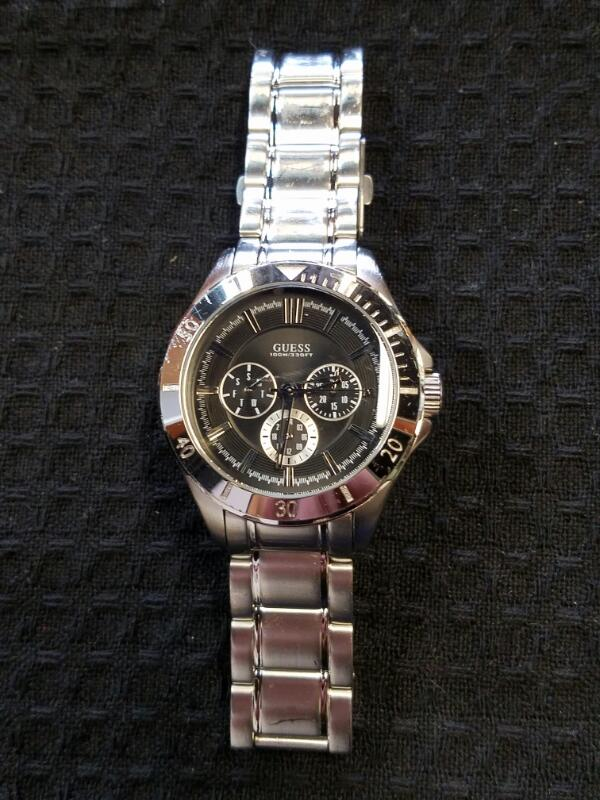 GUESS Gent's Wristwatch U0361G1