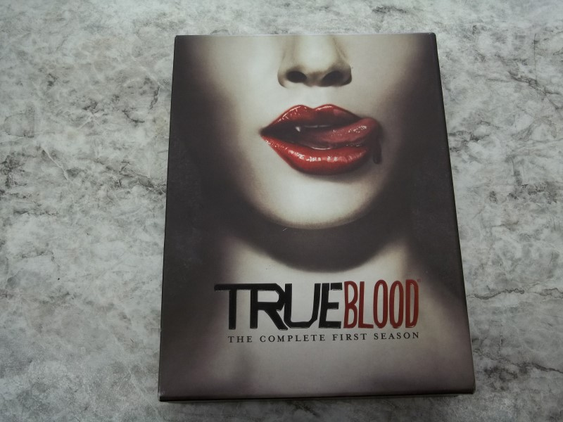 TRUE BLOOD FIRST SEASON
