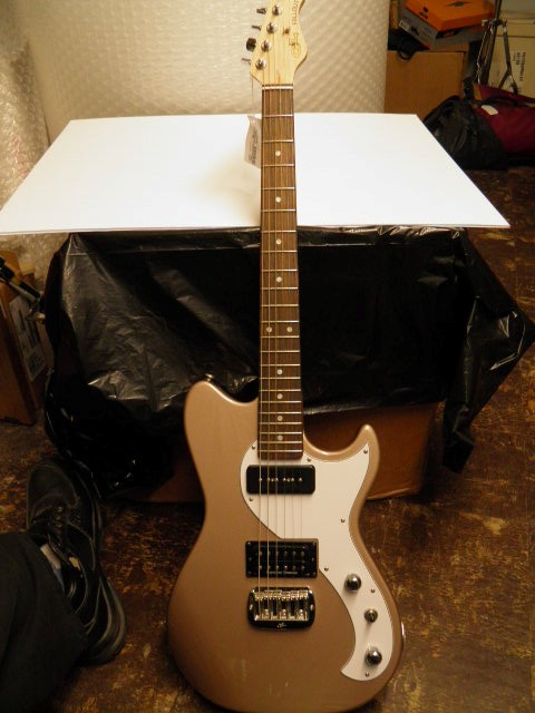 G&L MUSIC Electric Guitar FALLOUT