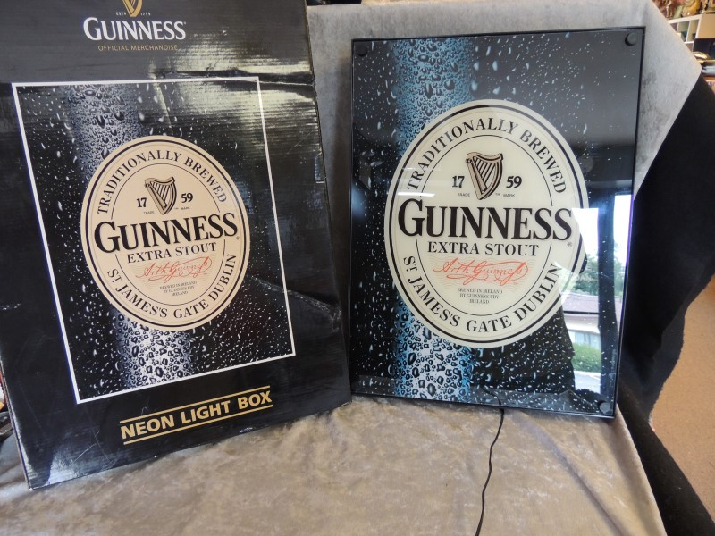GUINNESS NEON LIGHT BOX OFFICIAL MERCHANDISE