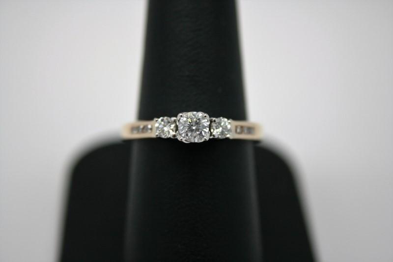 LADY'S ENGAGEMENT DIAMOND RING 14K 2T GOLD