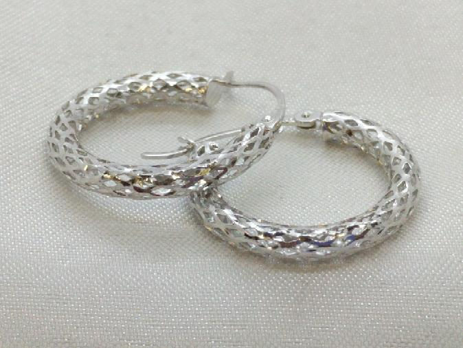 Criscross Hoop Earrings White Gold 14K