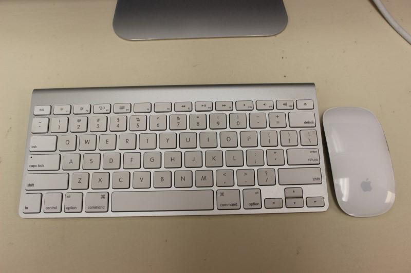 "Apple iMac 27"" 3.4GHz Intel i7, 1TB HD, 4GB Memory Mid-2011"