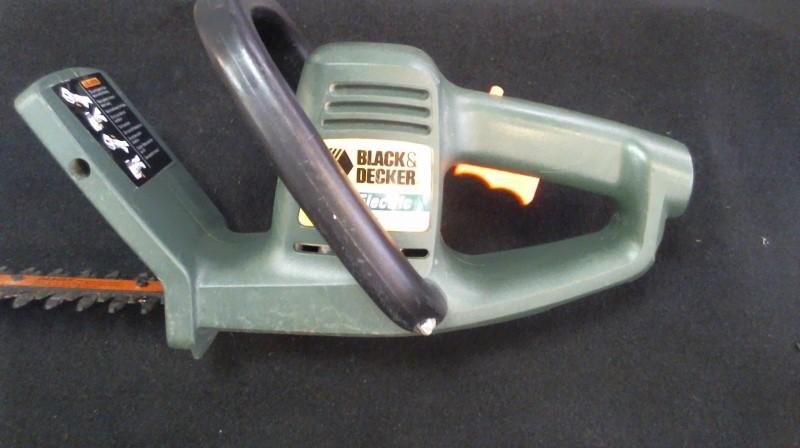 BLACK&DECKER Hedge Trimmer TR255
