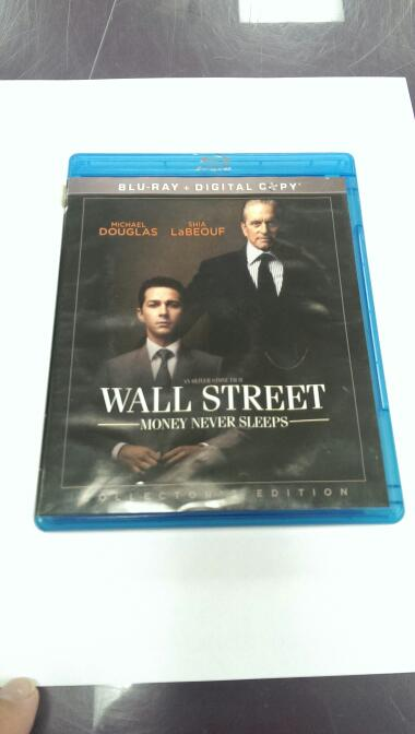 BLU-RAY WALL STREET MONEY NEVER SLEEPS