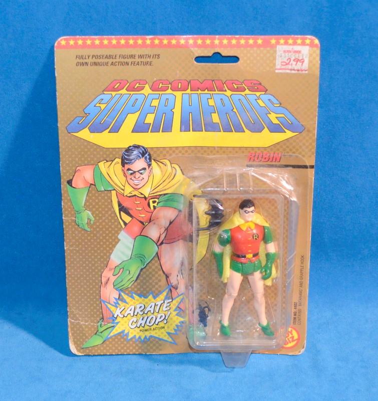 TOY BIZ 4402 DC COMICS SUPER HEROES ROBIN ACTION FIGURE