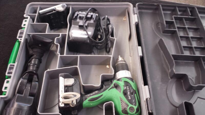 Hitachi Model DS18DSAL Drill/Driver & Flashlight Two Batteries And Charger