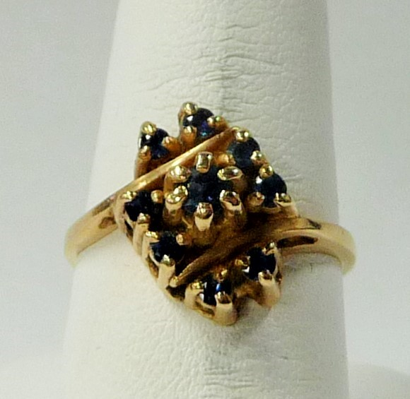 Sapphire Lady's Stone Ring 14K Yellow Gold 2.85dwt