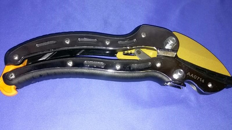 FISKARS TITANIUM SHEARS GREAT CONDITION