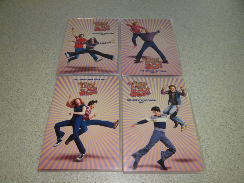 THAT 70'S SHOW SEASON ONE - 4 DVD SET