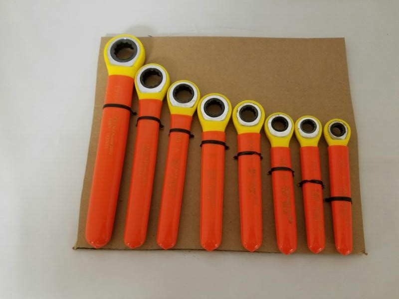 OEL 8 PIECE BOX END INSULATED WRENCH SET IT22615-IT22608