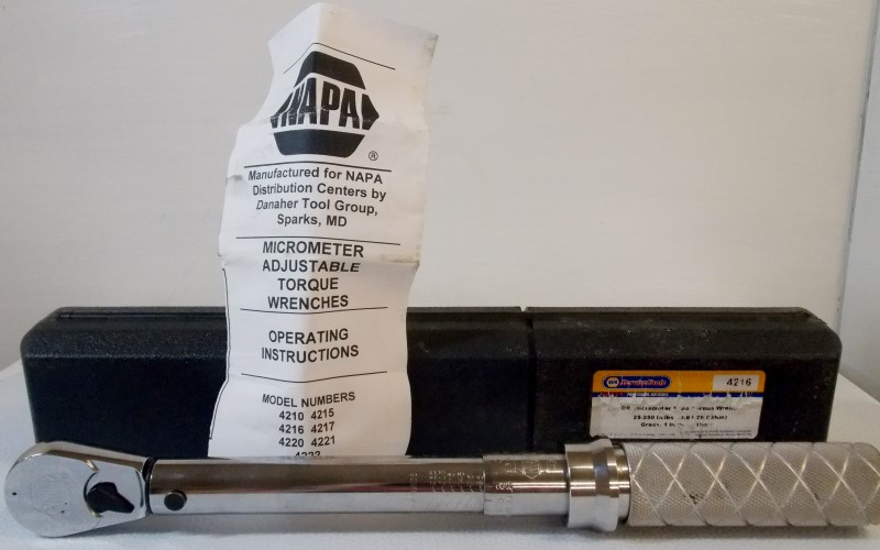 """NAPA 3/8"""" DR MICROMETER TYPE TORQUE WRENCH 25-250 IN. LB, #4216"""