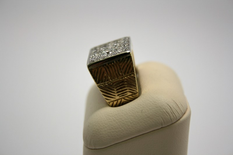 GENT'S FASHION STYLE DIAMOND RING 18K YELLOW GOLD